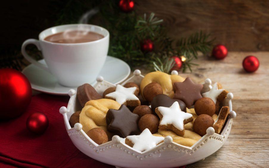adventliches Kaffeetrinken Weihnachten